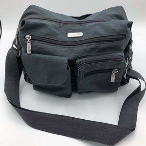 Baggallini Crossbody/Shoulder Travel Bag.